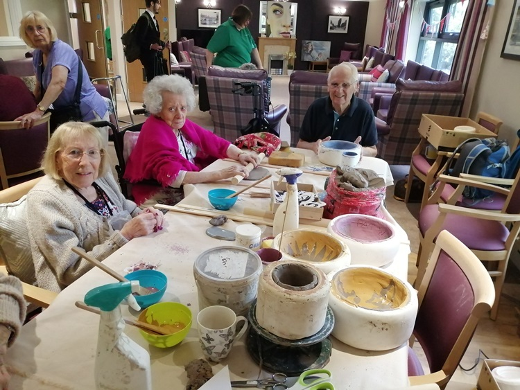 pottery classes for therapeutic groups