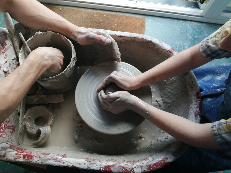 learning how to use the potters wheel